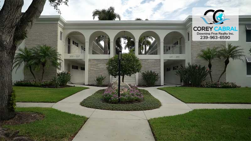 Manor Apartments Real Estate in Old Naples, Florida